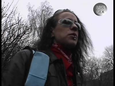 Dürre deutsche MILF steht auf Blowjob beim Casting
