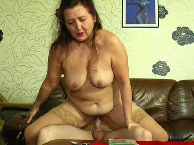 Rasierte Oma Pussy Bilder