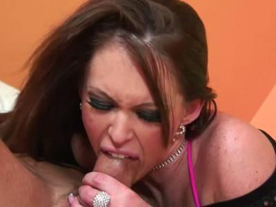 Harter Fick für das Teen mit den extrem dicken Titten
